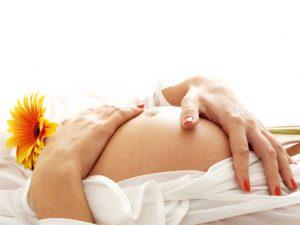 Можно ли беременным делать маникюр?