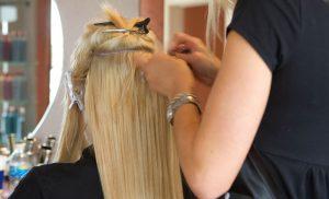 Как ухаживать за нарощенными волосами?