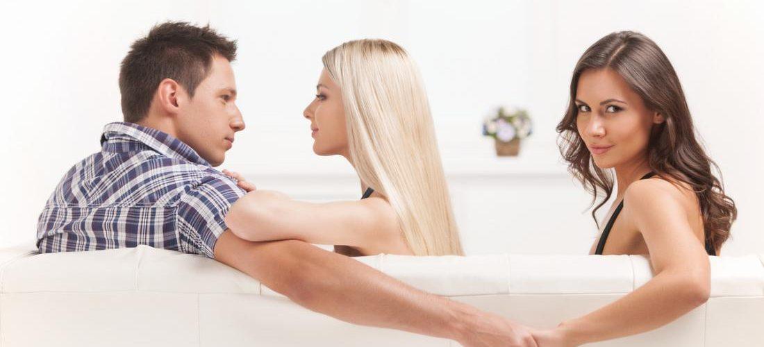 Почему мужчины изменяют женам, но не уходят?