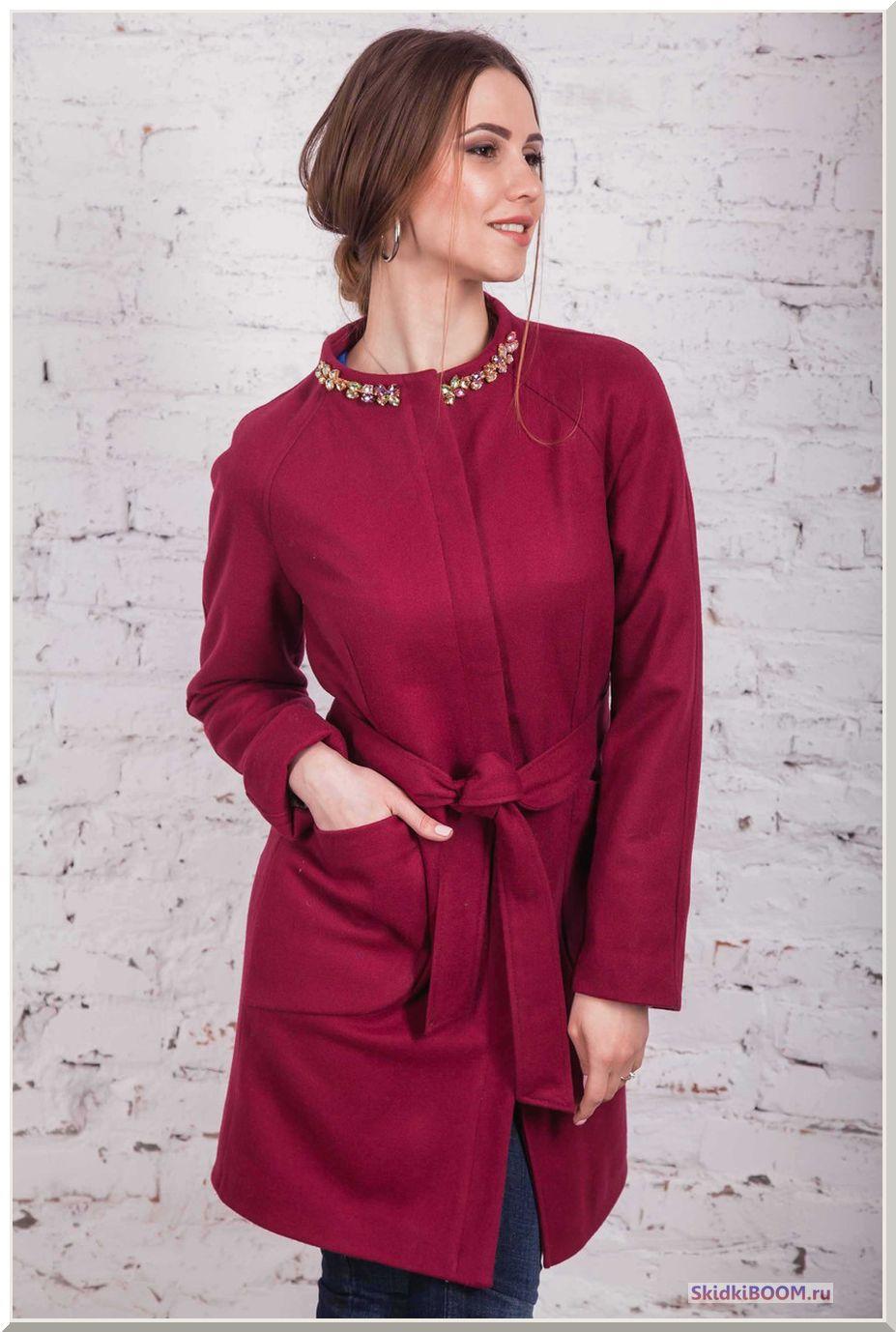 Как выбрать женское зимнее пальто - бордовое пальто