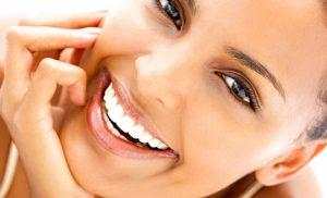 Как отбелить зубы в домашних условиях?
