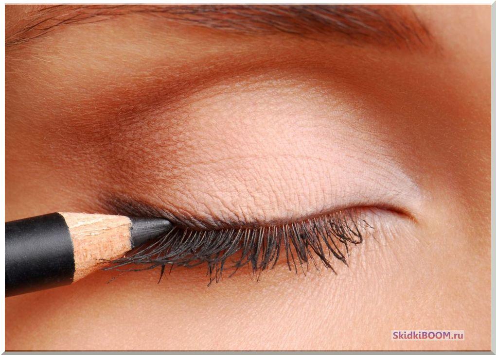 Как правильно рисовать стрелки на глазах - карандаш для глаз